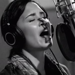 Demi Lovato Stone Cold Live